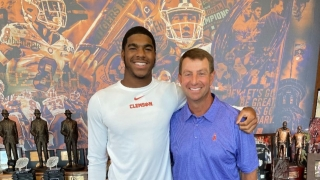 Four-star defensive end from powerhouse IMG Academy picks Clemson